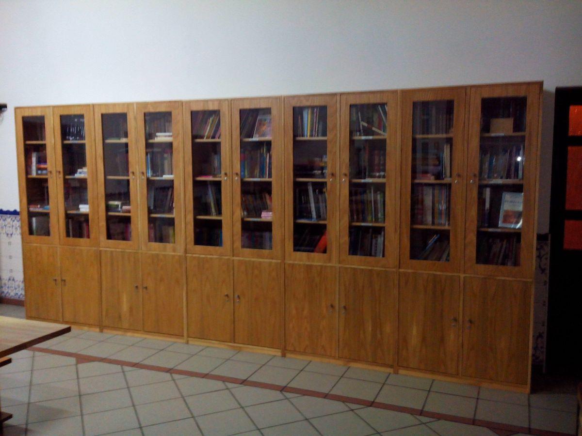 Biblioteca por medida